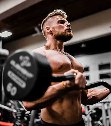 bicep curls with an easy curl bar